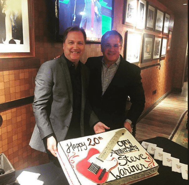 Puffy Muffin Creates Steve Wariner's 20th Opry Anniversary Cake