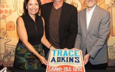Puffy Muffin Creates Opry Cake Celebrates Trace Adkins 15 Years