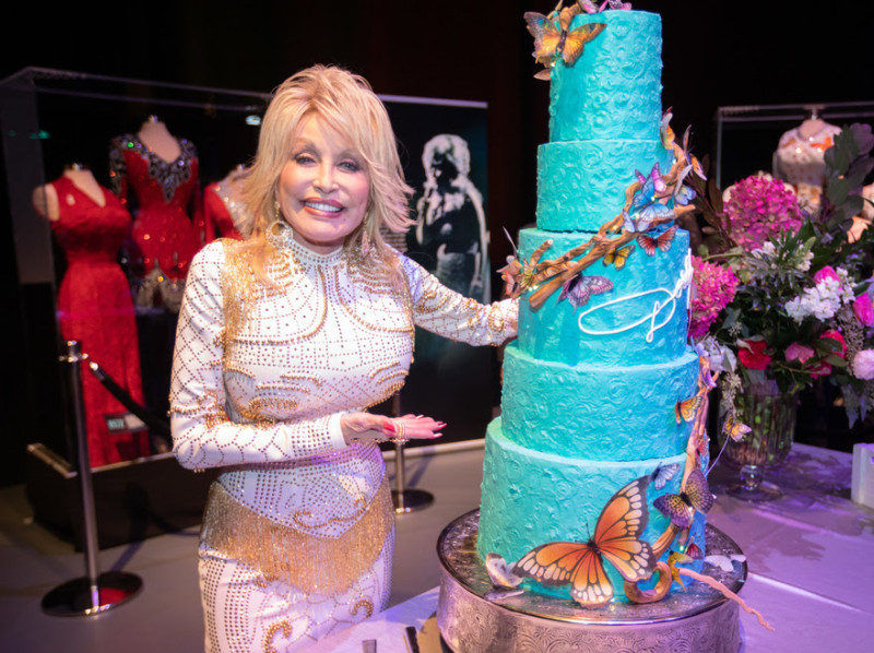 Puffy Muffin Creates 50 Year Opry Cake For Dolly Parton